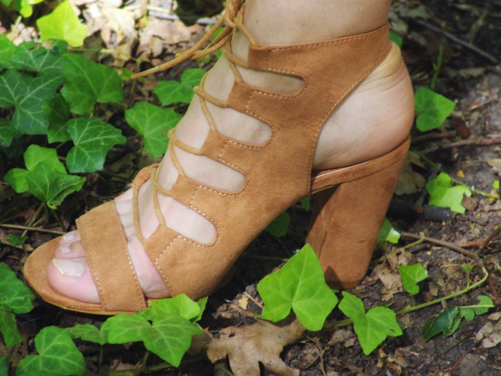 brown-sandal-high-heels